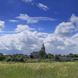 De Oosterlander kerk in de wolken 2