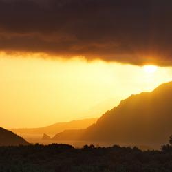 Lichtspel boven baai Kreta