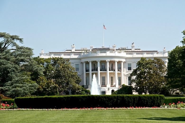 White House - Wittehuis in de zon met een prachtige tuin, Blijft een uitzonderlijk mooie lokatie in Washington<br />