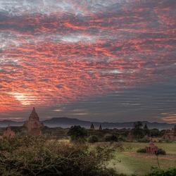 Bagan Red Sky
