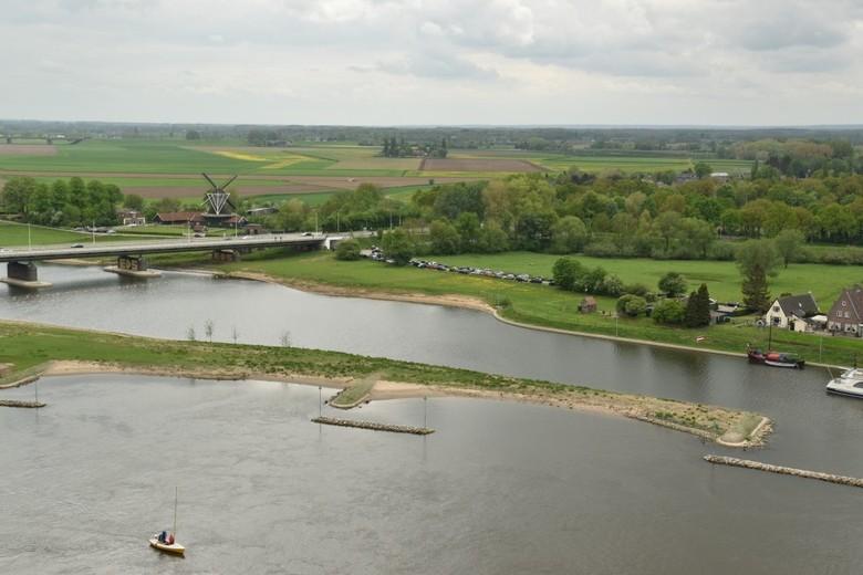 Uitzicht op de IJssel - Deventer, vanaf Grote of Lebuinuskerk.