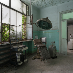 A hospital alone shows what war is ! (Erich Maria Remarque)