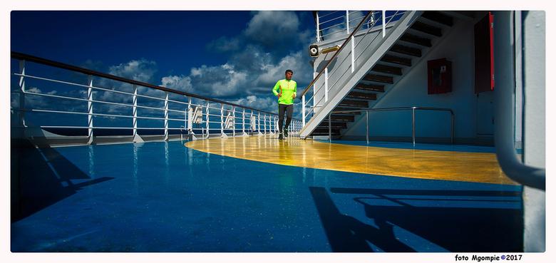 """Cruise-4 - Cruise of niet, nog wel even aan je conditie werken.<br /> <br /> Bedankt voor de reacties op <a href=""""http://zoom.nl/foto/overig/lazy-su"""
