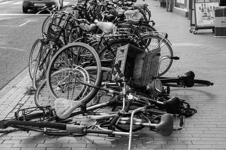fietsen - Blijft een drama in de stad al die fietsen
