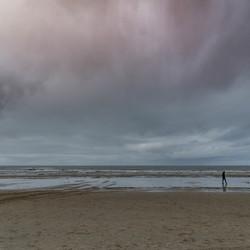 02785 stormy beach