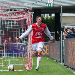 MVV vloert ongeslagen koploper Volendam. Santiago Palacios scoort hier de 1-0 tegen Volendam.