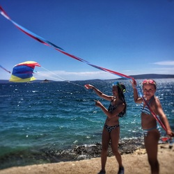 Two Girls & A Kite