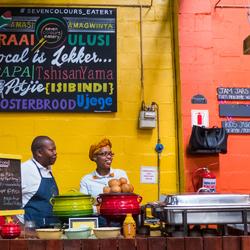 Kleurrijke Foodcorner in Houtbay Market