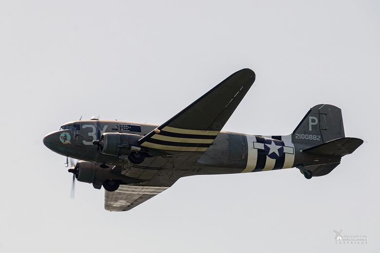 Wings of Freedom 2019 - De Dakota 'Drag' em Oot ', een 1944 C-47 Douglas Sky Train. Ze nam deel aan de luchtaanval tijdens D-Day en liet 18 parachutis