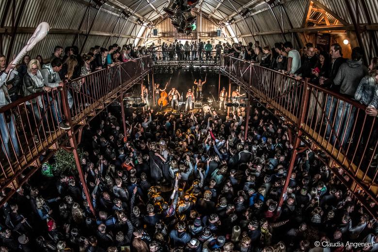 The Wetnecks in de Kornuit Barn op 7th Sunday Festival -