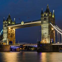 Londen - Tower Bridge bij avond