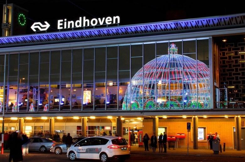 Glow - Station Eindhoven Centraal - Centraal Station Einhoven<br /> http://www.gloweindhoven.nl/