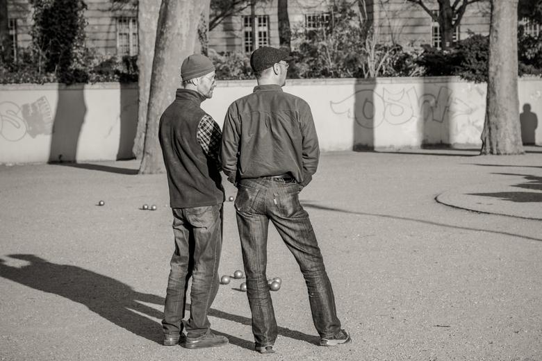 Straatbeeld  - Straatbeeld uit Berlijn. Graag commentaar, tips.