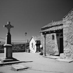 Oud dorpje in de bergen van Spanje