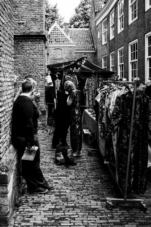 Delft Pasar 5 - Ach wat kan het schelen. Het is toch mooi weer dus maar ff buiten passen.<br /> Waar zo&#039;n kleine &quot;Pasar Malam&quot; al niet