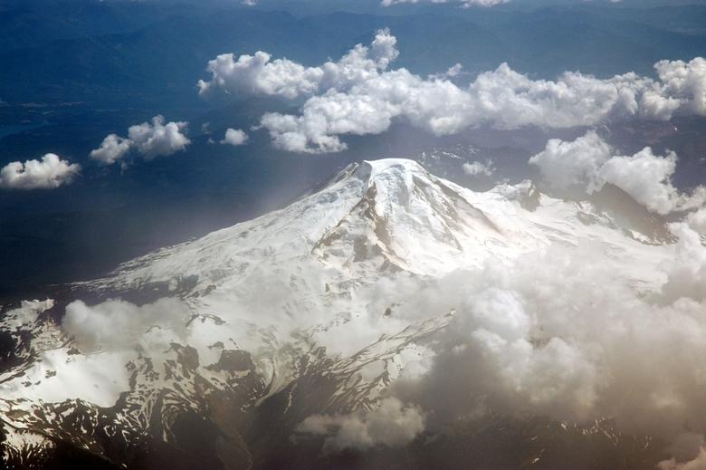 Mountain - Vanuit het vliegtuig genomen