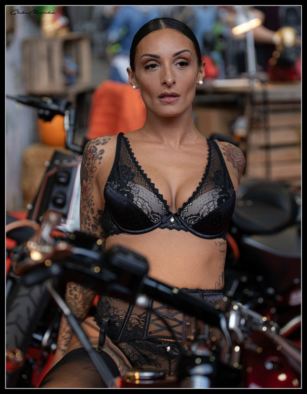 Tattoo Brussel... Woman on Bike -