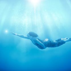 Levenslicht - onderwater zwangerschapsfotoshoot
