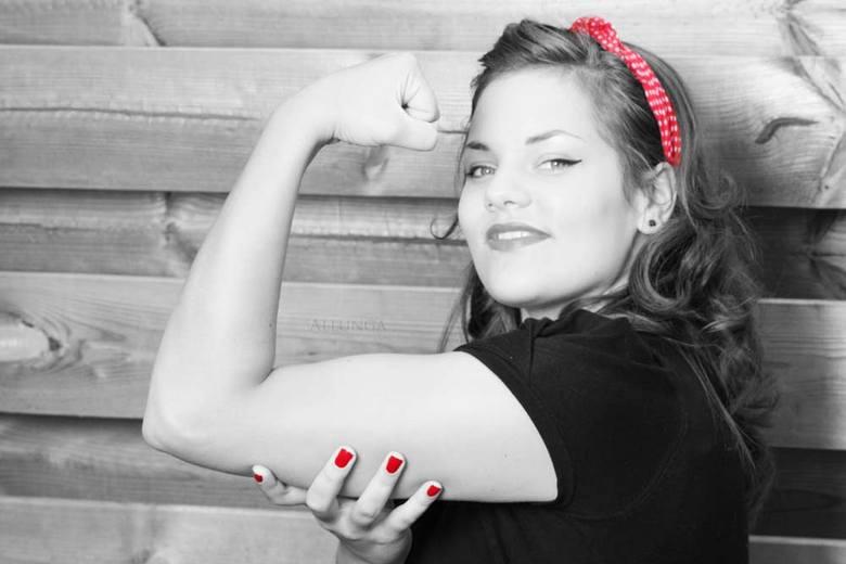 Woman's strength  - Portret van schoonzusje.