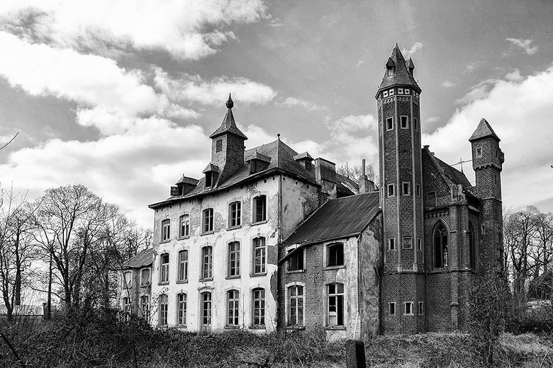Kasteel - Ergens in België.