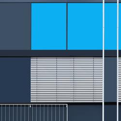 Asymmetric Window