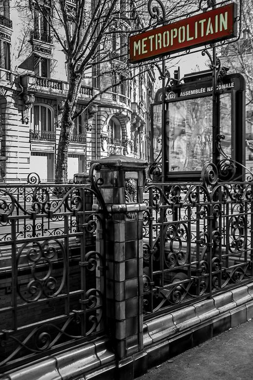 Assemblee Nationale-2.jpg - Assemblee Nationale (metrostation in Parijs)