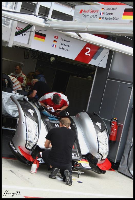 Audi #2 - Pitwalk op vrijdagochtend bij de 24 uur van Le Mans.