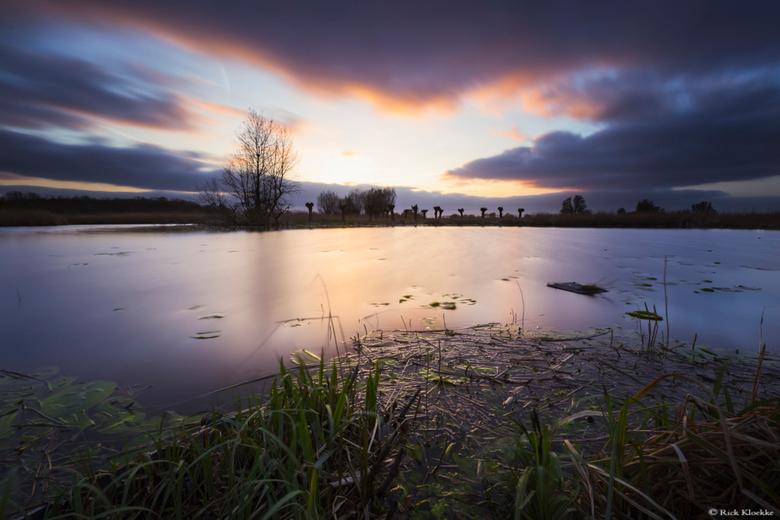 """Stormige zonsondergang - Een stormige zonsondergang in Westerveld, Zwolle.<br /> <br /> Volg me ook op mijn <a href=""""https://www.facebook.com/rickkl"""