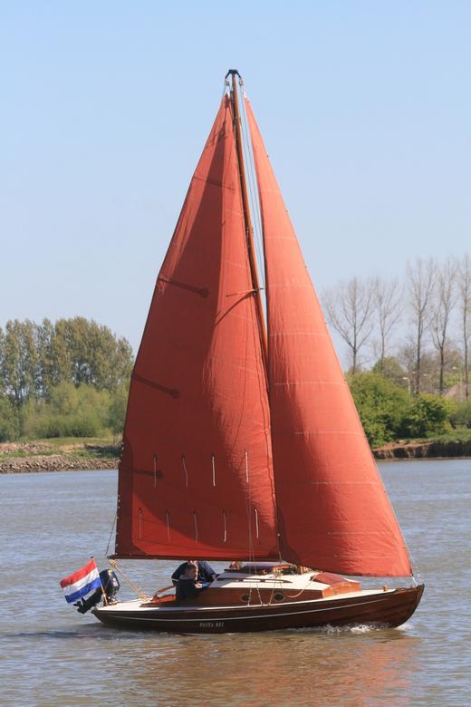 Zeilboot - Zeilboot op de Lek.