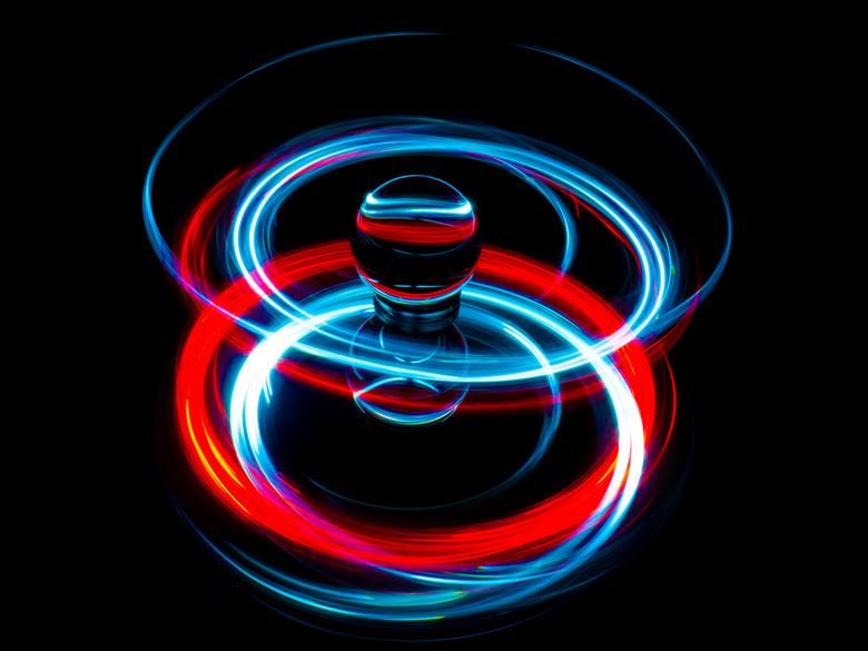 light painting met een lensball - Spelen met een lensball lampjes en een spiegel.