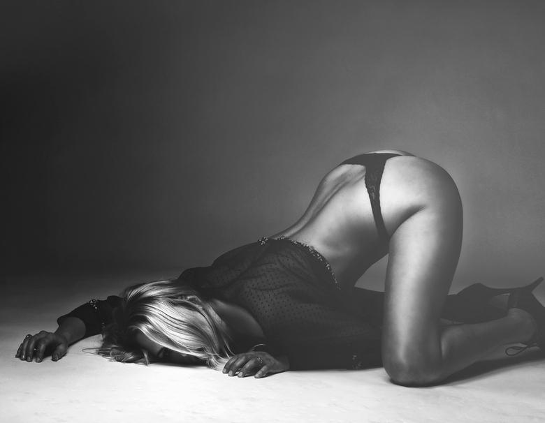 Kneel - .