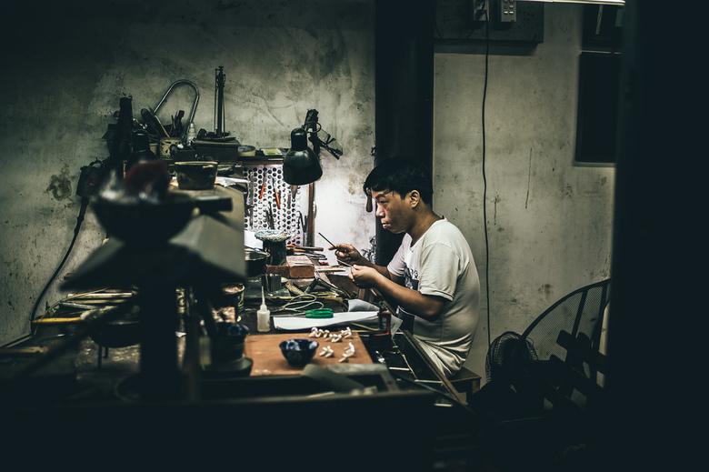 Handmade. - Reaching out... prachtig te zien hoe ze hier creatief te werk gaan en hun kunst talenten kunnen laten tonen en ontwikkelen.<br /> <br />
