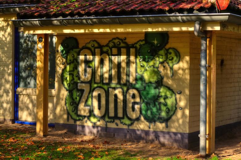 chill zone_01 - Ik hou van reflecties vooral als ze iets toevoegen en in dit geval geven ze een beetje meer Chill.