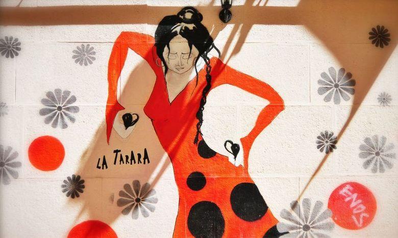 Street-art - In het centrum van de Spaanse stad Valencia is deze fraaie muurschildering fotografeerd.<br /> <br /> Zoomers , bedankt voor alle fijne
