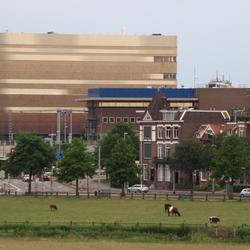 uitzicht over Arnhem en zicht op Pathe bioscoop