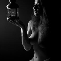 Artistic nude low-key
