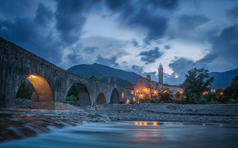 Via Romana - Geschoten in een klein dorpje ( Bobbio ) in de regio Piacenza. De brug is Romeins en in prachtige staat.