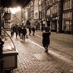 Leidsestraat in middaglicht