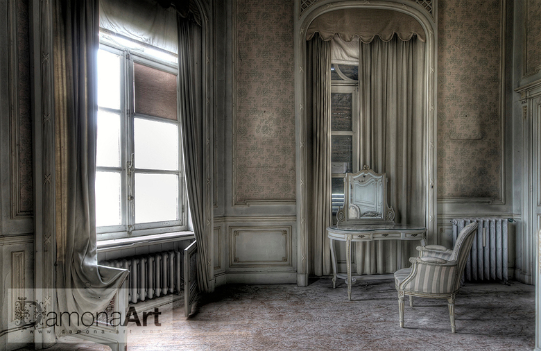 The Room - A forgotten and abandoned Chateau Lurking on a domain somewhere in Belgium. The history of this Chateau is going back to the year 1913. Aba