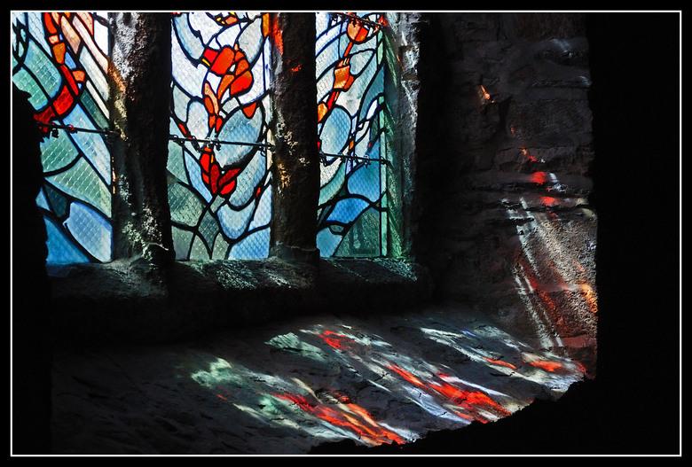 Kleurenspel - Warmte in een koude kerk