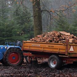 vastzittende tractor