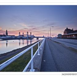 Zonsondergang in de stad Kampen (1)