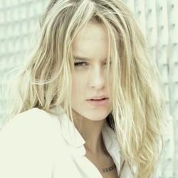 Model Isabel