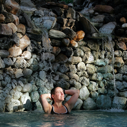 Vrouw in Zwembad