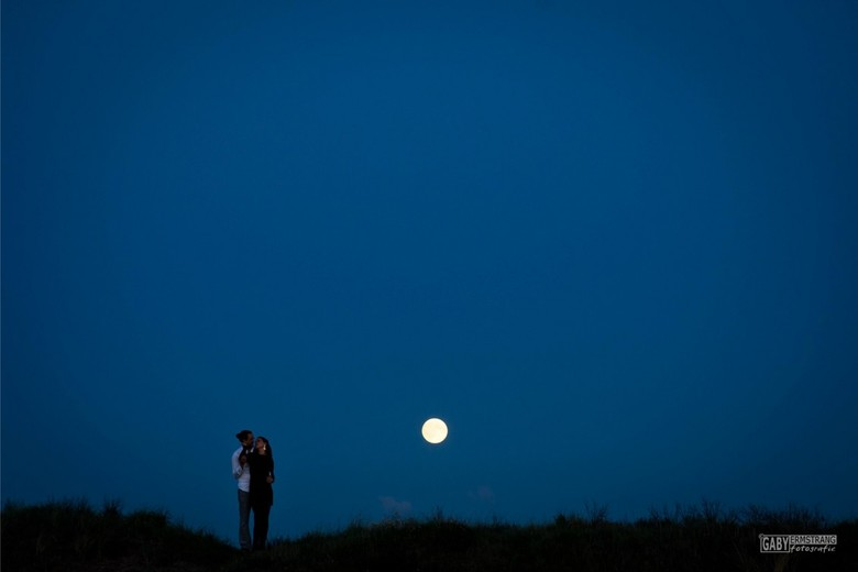 Loveshoot #supermoon #fullmoon #bloodmoon - Loveshoot with fullmoon @ Zandvoort