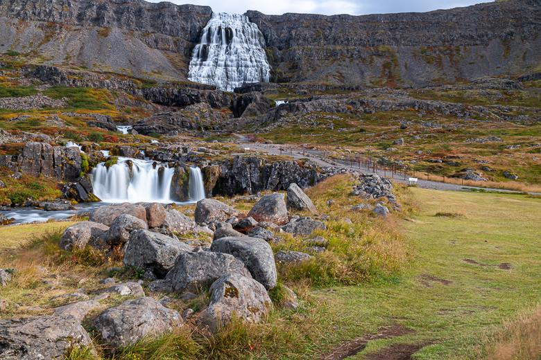 IJsland Dynjandifoss - Eind augustus in twee weken tijd met vrienden IJsland rond gereden. In de Westfjorden bij de Dynjandi waterval kreeg het landsc