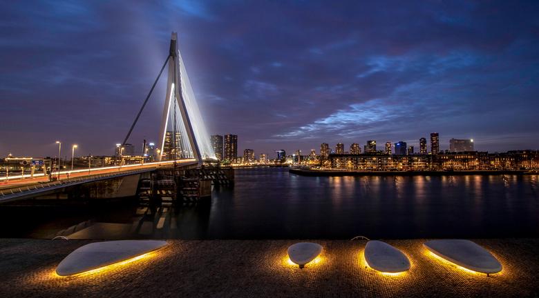 "Erasmusbrug - Mooi zicht vanaf de loopbrug....1 nadeel de rest moet wel even stil staan...trilt nogal gauw <img  src=""/images/smileys/wilt.png""/>....h"