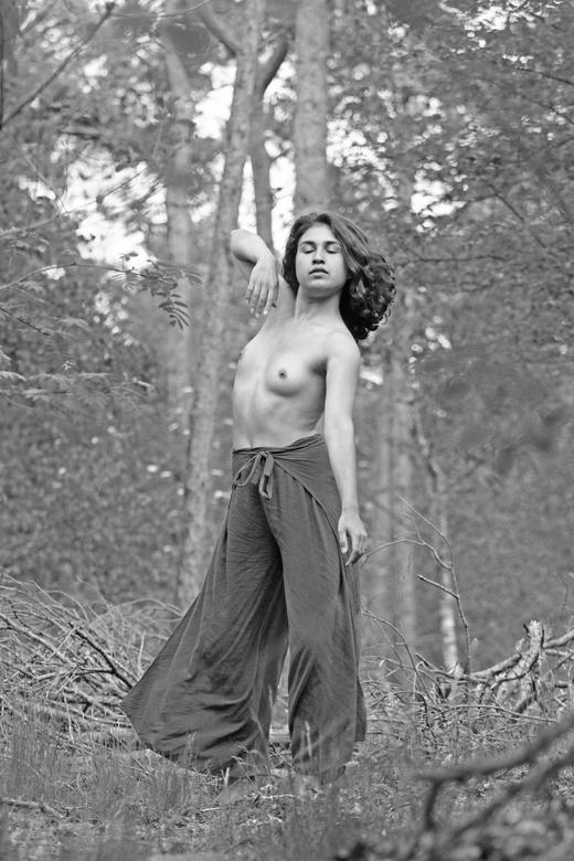 Dansen in het bos - Met een professionele danseres is het altijd prettig werken