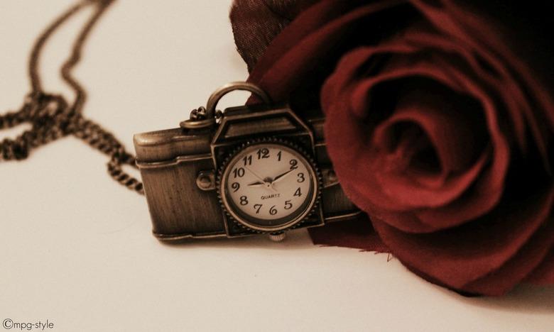 Time (ippawards schoolopdracht fotografie: 'Still life') - Misschien kennen jullie www.ippawards.com wel, waar je je eigen foto's kan uploaden (d