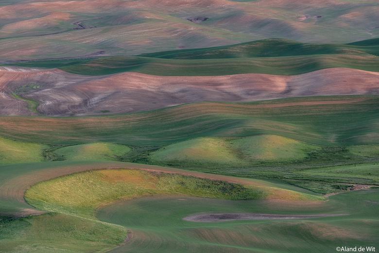 Palouse - Zonsondergang Palouse, Washington State, USA vanaf Steptoe Butte.<br /> <br /> Iso 100<br /> F11<br /> 0,6 seconde<br /> 200mm<br /> <